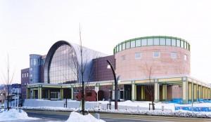 平取町コミュニティセンター(保健・福祉・児童館・図書館等)