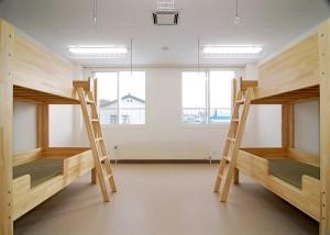 utasute-senshingakuen-orphanage-05