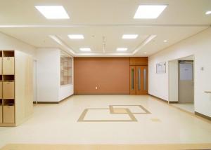 utasute-senshingakuen-orphanage-07
